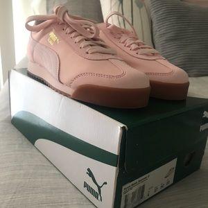 Pumas girl shoe shoes
